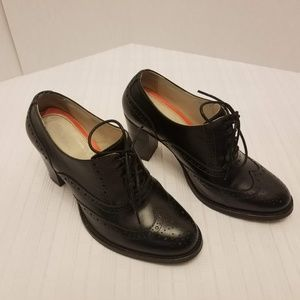 """EUC """"Boden"""" Lace Up Oxford Booties Size 8 US/38 EU"""